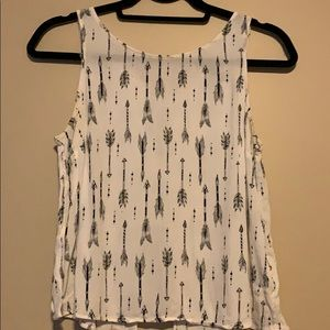 🌸 FEATHER/ARROW PRINT TANK TOP WITH BACK DETAILS